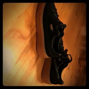 PUMA suede platform sneakers. Black and oatmeal